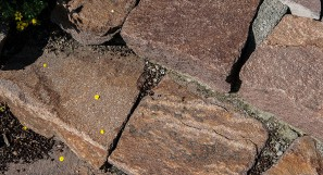 Trockenmauer Italienischer Kernporphyr